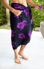 Mens Hibiscus Flower Sarong in Purple/Black