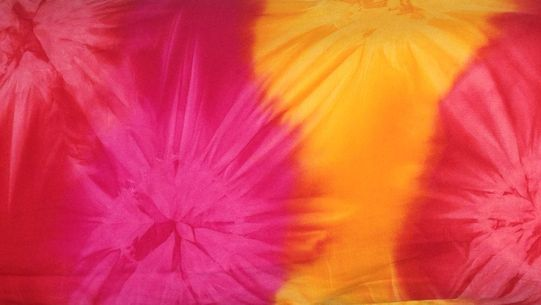 Mens Tie Dye Red, Pink and Yellow Sarong