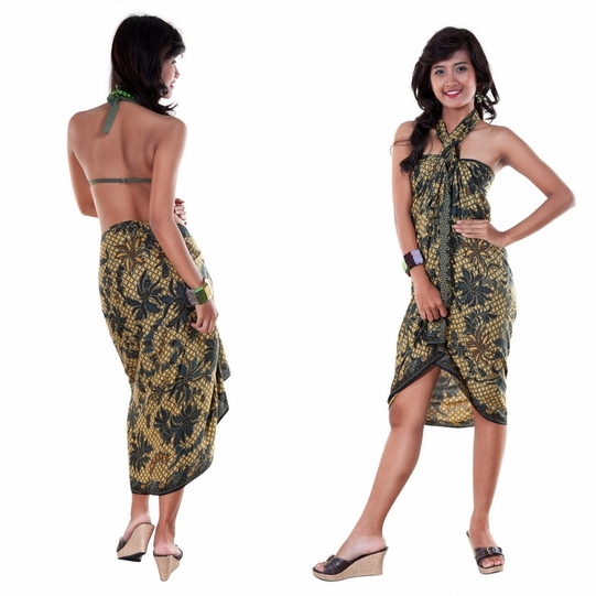 Sarong With Traditional Motif Green