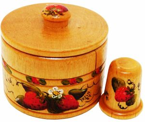 Vintage Wooden Thimble & Box w/Strawberries