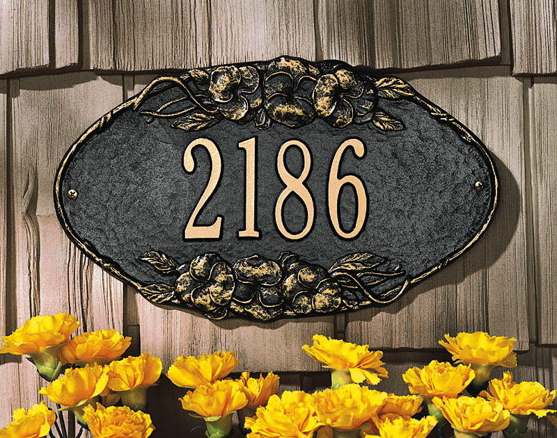 Pansy Oval Wall Plaque