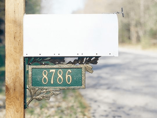 Two-Sided Personalized Pinecone Mailbox Bracket