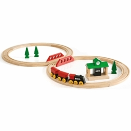 Brio Classic Travel Figure 8 Set