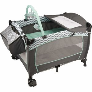 Evenflo Portable BabySuite DLX Playard - Spearmint