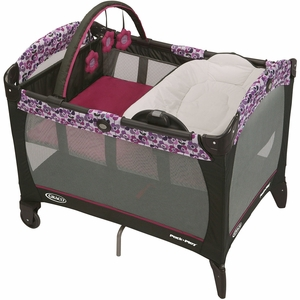 Graco Pack 'n Play Playard with Reversible Napper & Changer - Pammie