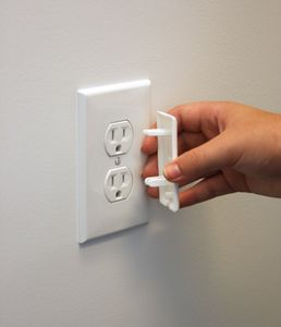 """Qdos StayPutâ""""¢ Double Outlet Plugs, 6 Pack - White"""