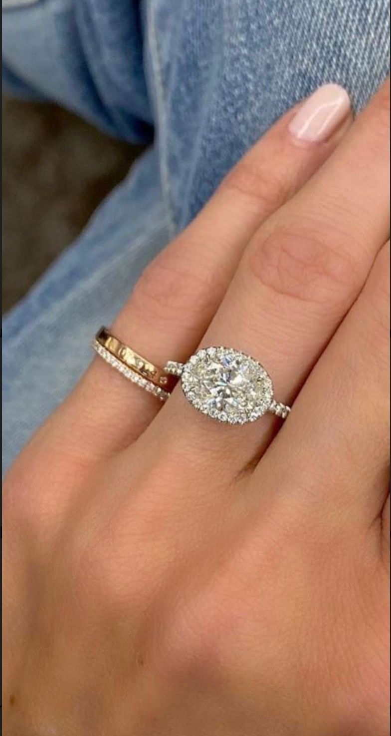 Oval Diamond Engagement Ring Set in Platinum