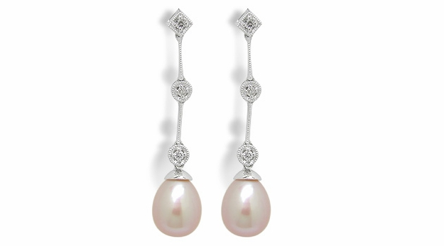 Peach Gredal a Freshwater Cultured Pearl Earring