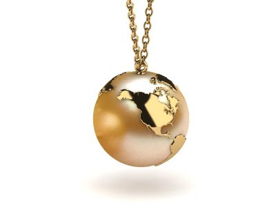 The World Is Your Oyster Golden Pearl Pendant