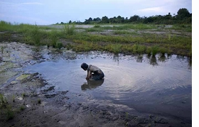 Featured image is reproduced from 'Apichatpong Weerasethakul Sourcebook.'