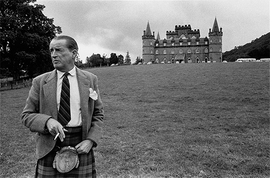 Featured image is reproduced from <i>Bruce Davidson: England Scotland 1960</i>.
