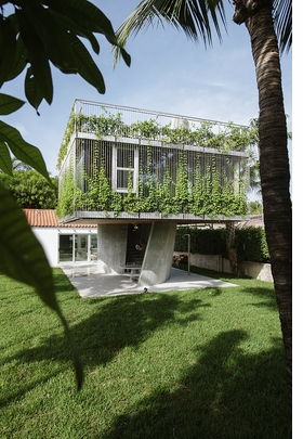 Featured image is reproduced from 'Christian Wassmann: Sun Path House and Other Cosmic Architectures.'