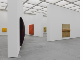 Featured image is reproduced from 'Gotthard Graubner: Chroma'.