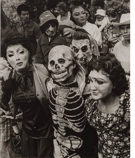 """Procession"" (""Peregrinación""), Chalma, 1984, is reproduced from 'Graciela Iturbide's Mexico.'"