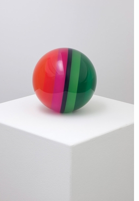 Featured image is reproduced from 'Helen Pashgian: Spheres & Lenses'.