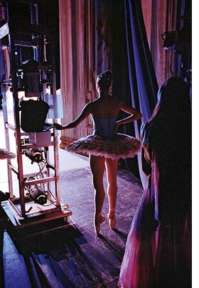 Featured image is reproduced from <I>Henry Leutwyler: Ballet</I>.