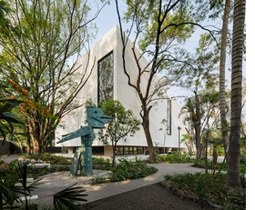 Featured image is reproduced from 'JSa: Juan Soriano Contemporary Art Museum of Morelos'