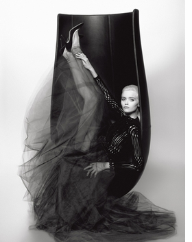Featured image is reproduced from <i>Karl Lagerfeld & Babeth Djian: Numéro Couture</i>.