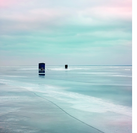 Featured image is reproduced from <i>Lucinda Devlin: Lake Project</i>.