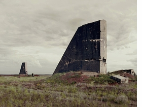 Featured image is reproduced from <I>Nadav Kander: Dust</I>.