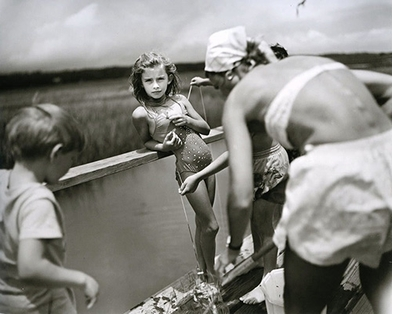 """Sally Mann: Immediate Family, """"Crabbing at Pawley's"""" (1989)"""