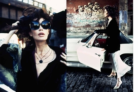 """Kim Francis for the """"Evening Standard,"""" London. New York City, 1994, is reproduced from <I>Stephanie Pfriender Stylander: The Untamed Eye.</I>"""