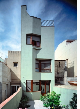 Featured image is reproduced from 'Thought by Hand: The Architecture of Flores & Prats'.
