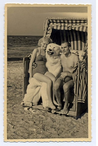What's not to love about Germans, vintage photography and Polar Bears?