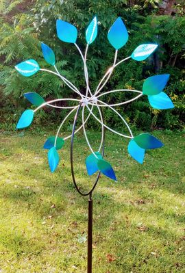 """""""DOUBLE PETALS""""<P> BLUE GREEN VANES<P>with In-Ground Stand"""