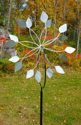 "DOUBLE PETALS GARDEN WHEEL With In-Ground Stand<span style=""color:MAGENTA"">"