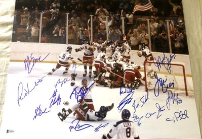 1980 Miracle on Ice USA Olympic Hockey Team autographed 16x20 celebration photo (BAS authenticated)