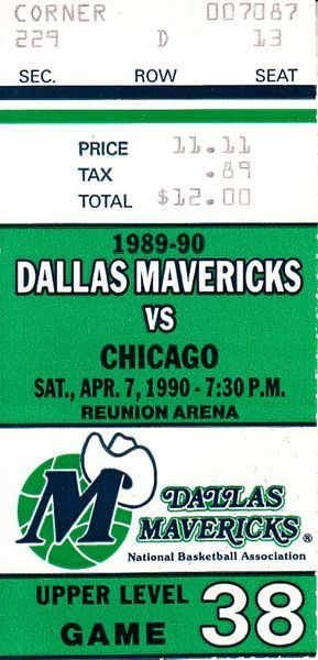 1990 Chicago Bulls at Dallas Mavericks ticket stub (Michael Jordan scores 43)