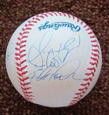 1997 Florida Marlins team autographed World Series baseball (Bobby Bonilla Cliff Floyd Charles Johnson Jim Leyland Edgar Renteria)