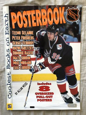 1999 NHL Hockey Posterbook with Wayne Gretzky New York Rangers cover