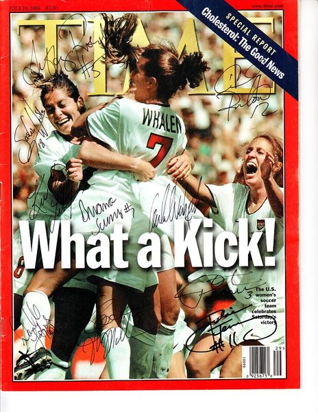 1999 U.S. Women's World Cup soccer team autographed Time magazine (Julie Foudy Kristine Lilly Briana Scurry)