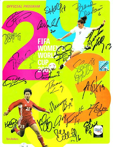 2003 US Women's World Cup Team autographed program Brandi Chastain Julie Foudy Mia Hamm Kristine Lilly Abby Wambach