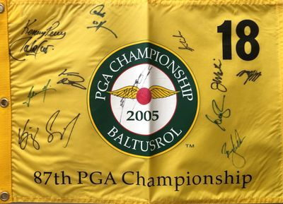2005 PGA Championship golf pin flag autographed by 12 (K.J. Choi Stewart Cink Kenny Perry Vijay Singh)