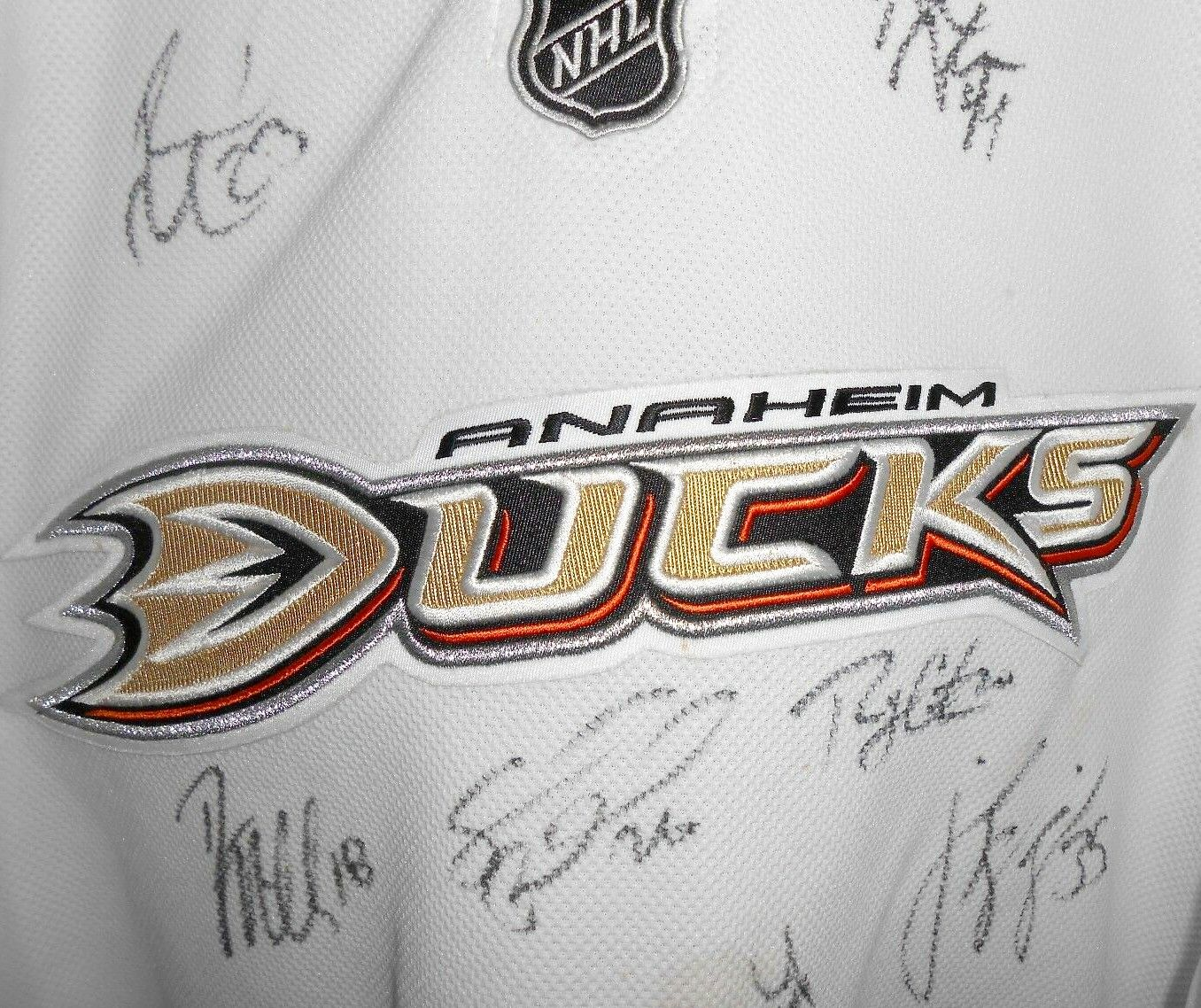 the best attitude 8941a 0128b 2007-08 Anaheim Ducks team autographed authentic Reebok ...