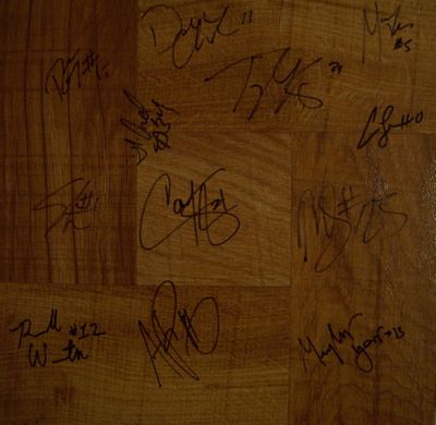 2009-10 Villanova Wildcats team autographed floor (Corey Fisher Scottie Reynolds)