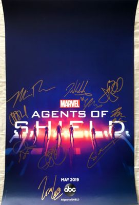 Agents of SHIELD cast autographed 2019 Wondercon poster (Clark Gregg Elizabeth Henstridge Henry Simmons)