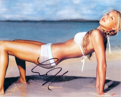 Anna Kournikova autographed sexy 8x10 swimsuit photo