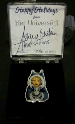 Ashley Eckstein autographed Star Wars Ahsoka Tano 2016 Holidays pin #606/1500