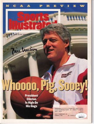 Bill Clinton autographed Arkansas Razorbacks 1994 Sports Illustrated magazine (JSA)