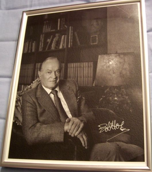 Bob Hope autographed 11x14 black & white photo framed