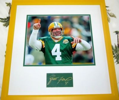 Brett Favre autograph matted and framed with Green Bay Packers 8x10 photo