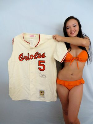 Brooks Robinson autographed Baltimore Orioles 1966 Mitchell and Ness jersey