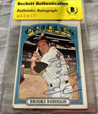Brooks Robinson autographed Baltimore Orioles 1972 Topps card (BAS authenticated)