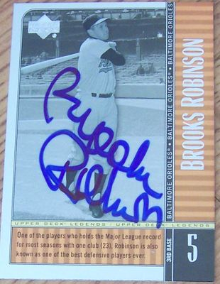 Brooks Robinson autographed Baltimore Orioles Upper Deck Legends card