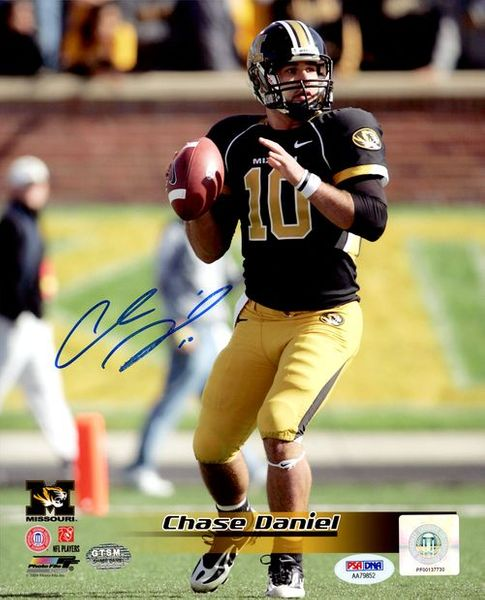 Chase Daniel autographed Missouri Tigers 8x10 photo (GTSM and PSA/DNA authenticated)