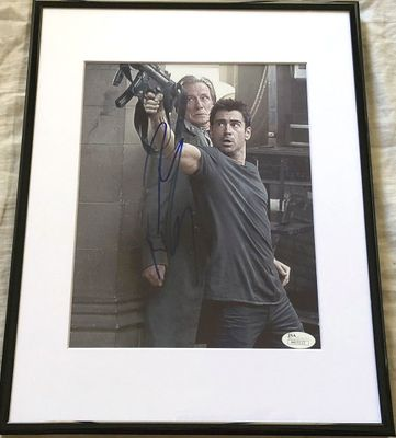 Colin Farrell autographed Total Recall 8x10 movie photo matted and framed (JSA)
